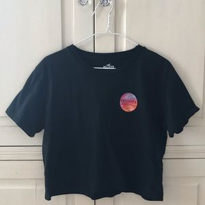 black hollister cropped t shirt
